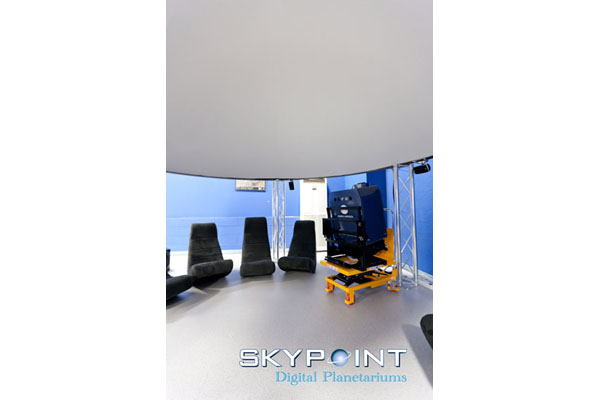 "The inside of the Skypoint ""Tecno Dome"": you can see the perfect flat surface and the neutral grey colour, perfect for high-quality projection."